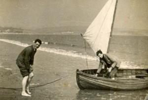 Tony Bennett and John Robb on Preston beach 1936