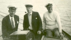 Commodore Hownam Meek (1921 - 27) in the middle